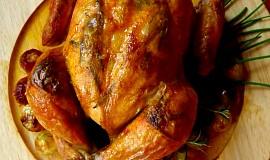 Kuře na rozmarýnu s cibulkami