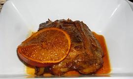 Pečená vepřová žebírka na pomerančích a medu
