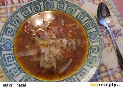 Polévka s mletým hovězím masem a fazolemi