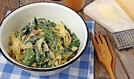 Těstoviny s rukolou a špenátem