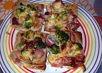 Toast s brokolicí a se sýrem