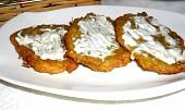 Bramboráky s balkánským sýrem