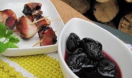 Grilované švestky ve slanině