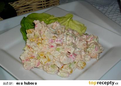 Krabí salát se zakysanou smetanou