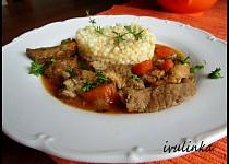 Pečené krkovičkové nudličky na tymiánu a zelenině