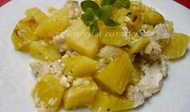 Kuřecí nudličky na bramborách s cottage a čerstvou majoránkou z remosky
