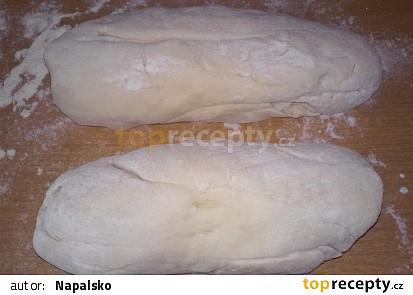 Kynuté houskové knedlíky v páře
