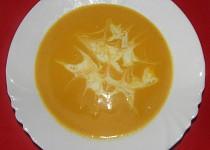 Mrkvová polévka s hovězím vývarem
