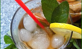 Osvěžující letní nápoj z křížal