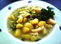 Pórková polévka s haluškami