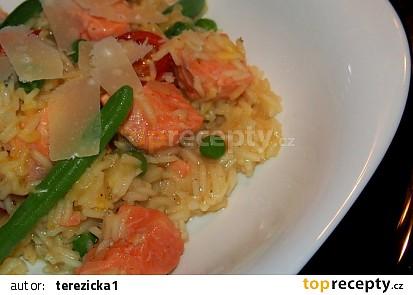 Rizoto s lososem a zeleninou