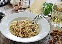 Špagety s ořechy