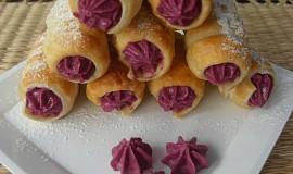 Minitrubičky z listového těsta s ovocným krémem