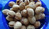 Vánoční ořechy s čokoládovou náplní