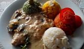 Vepřové kotlety na houbách s rýží čtyř barev