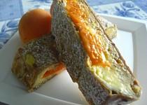 Závin z listového těsta s tvarohem a meruňkami