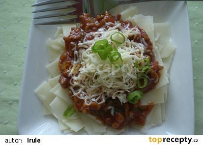 Domácí fettuccine v rajčatové omáčce