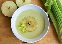 Krémová polévka z řapíkatého celeru a jablek
