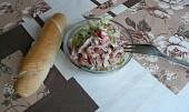 Letní salát s vařeným kuřecím masem