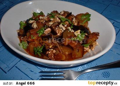 Lilek s meruňkami a ořechy