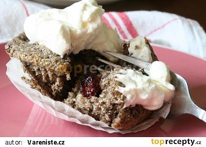 Makové muffiny s brusinkami