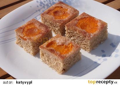 Obrácené Rafaello řezy s meruňkami