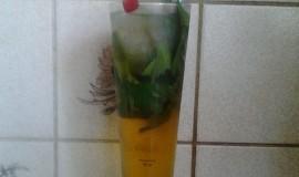 Osvěžující nealkoholický nápoj