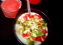 Osvěžující ovocný jogurt plný ovoce