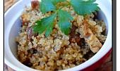 Quinoa se sušenými houbami