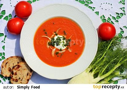 Rajčatová polévka s fenyklem