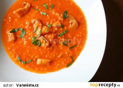 Rajčatová polévka s jáhlami a hlívou ústřičnou