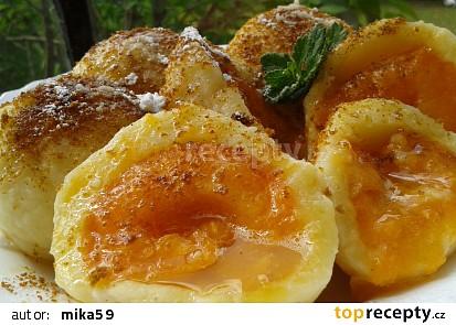Rychlé meruňkové knedlíky z tvarohového těsta