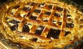 Sladký mřížkový koláč z listového těsta