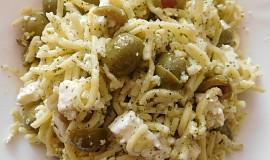 Špagety s olivami a sýrem