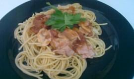 Špagety  se žampiony, tuňákem a šunkou