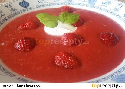 Studená jahodová polévka