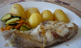 Sumec na bylinkách s máslovou zeleninou