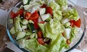 Zeleninový salát se žlutým melounem