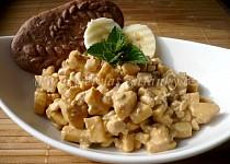 Banánový salát se sýrem Cottage s kávovou příchutí