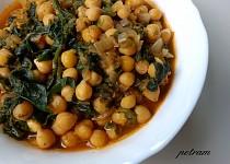 Chana saag (indická cizrna se špenátem)