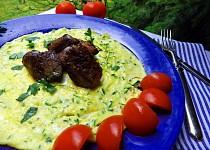 Cuketová omeleta s kuřecímu játry