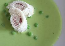 Hrášková polévka s toustovými rolkami