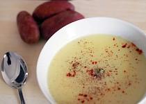Jednoduchá bramborovo-pórková polévka