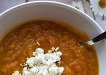 Krémová batátová polévka se sýrem feta