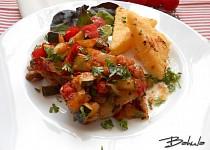 Kuřecí čtvrtky v pikantní zelenině