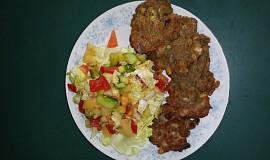 Luštěninové placičky se zeleninovým salátem