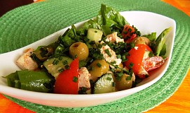 Mangoldový salát s tofu a zeleninou