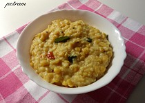 Matar dal khichdi (půlený žlutý hrách s rýží po indicku)