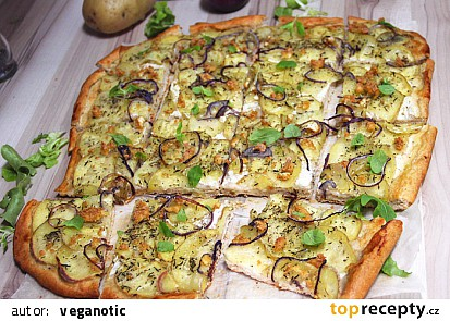 Bramborová pizza - pizza di patate