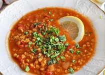 Polévka z červené čočky se zázvorem